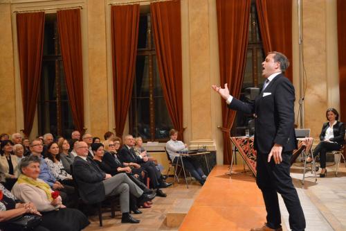 Dietmar Kerschbaum śpiewa we Floriance dla krakowskich melomanów.