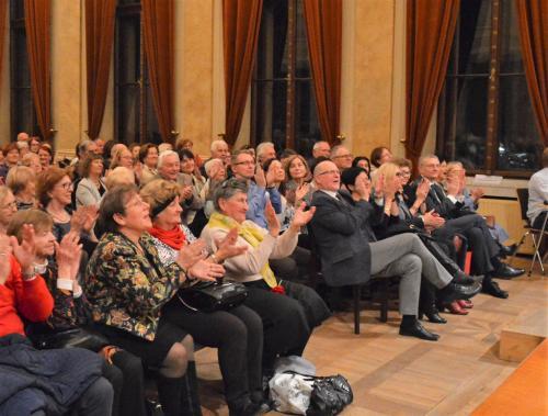 Zachwyt publiczności w szczelnie wypełnionej  Floriance