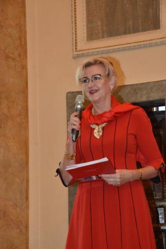1. Prezes Elżbieta Gładysz otwarła nowy sezon Spotkań z Artystą