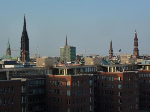 11.wieże Hamburga - widok z Elphi.