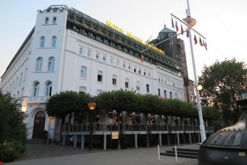 25. Nasz Hotel Hafen - na tym tarasie jedliśmy śniadanie.
