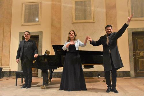 Pal Mezei- pianista, Zsofie Bodi - sopran, Bela Turpinsky- tenor.