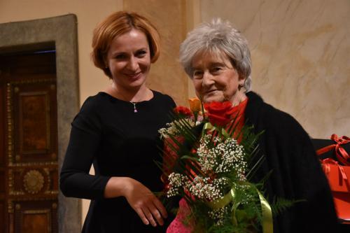 Prof. Helena Łazarska z Olgą.