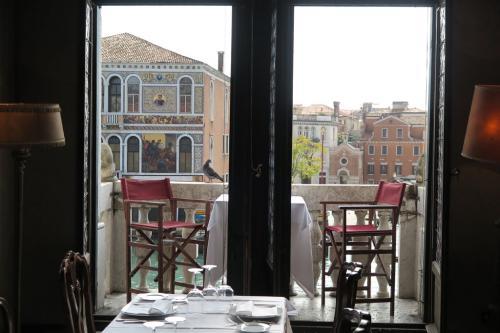 Widok na Canale Grande z naszego hotelu.