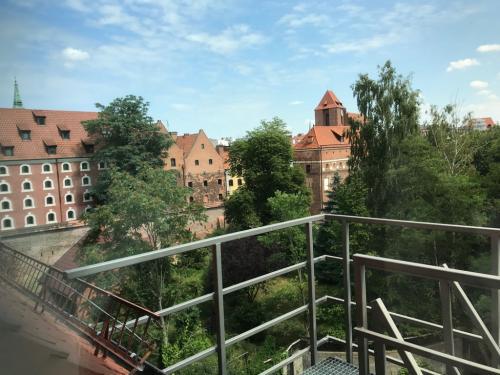 Widok z hotelu Bulwar na miasto.
